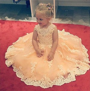 Wholesale Yellow Ball Gown Flower Girls Dresses For Weddings Sheer Neck Long Sleeves Applique Lace Tulle Children Girls Pageant Dress