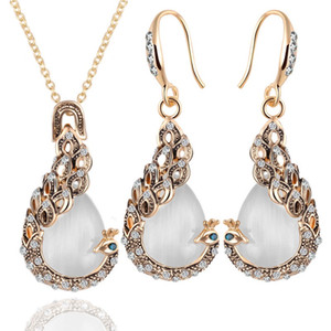 Hot Fashion Crystal Peacock Jewelry Sets For Women Exquisite Opal Pendant Necklaces Earrings Animal Rhinestone Jewelry Gifts