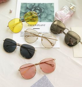 Wholesale 2018 ocean photos Ladies Sunglasses oval sunglasses new fashions European and American trend retro big frame brand design fashionab