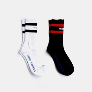 Wholesale VETEMENTS Stockings Tide Brand Teenager Student Hip Hop Style Long Socks Letter Embroideried Socks Athletes Leg Warmers Striped Socks
