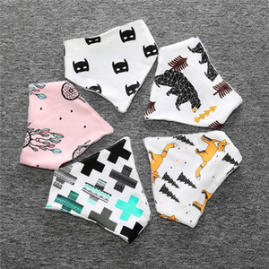 Wholesale Popular High Quality Baby Bibs Cotton Bear Fox Cross Cartoon Character Animal Print Baby Bandana Bibs Dribble Bibs