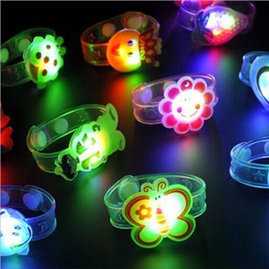 Wholesale 2018 Hot Sale Kids Toys Light Flash Toys Wrist Hand Take Dance Party Dinner Party High Quality Soft silicone Light neon S