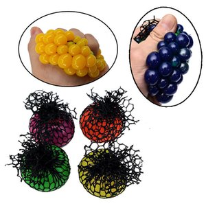 Wholesale 5cm cm Cute Anti Stress Face Reliever Grape Ball Autism Mood Squeeze Relief Healthy Toy Funny Gadget Vent Decompression OTH878