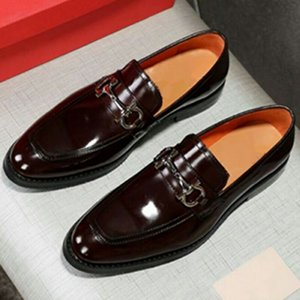 Wholesale men dress shoes Italian designer groom shoe Genuine Leather pointed toes shoes lazy shoes brown High quality