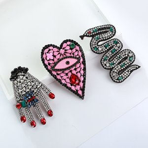 Wholesale 2018 Han Dynasty Shape Brooch Fashion Pendant Silk Scarf Buckle Personality Heart Shaped Broth Accessories A911