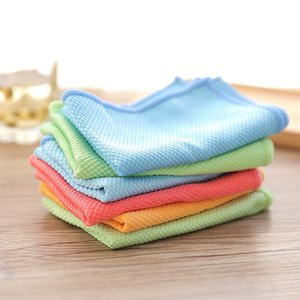 Wholesale Double sided fish scale bamboo fiber glass cleaning cloth Fish scale cloth Super absorbent lint free wipe no water mark on the surface