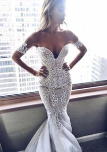 Off-the-shoulder Sexy Mermaid Zipper Embroider Wedding Dress