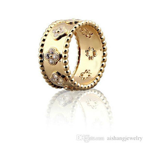 Wholesale CoR1 Fashion beautiful ring for women and man gifts have different size Clover style free shippng