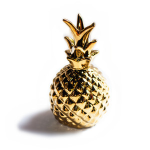 Wholesale Ornamental pineapple Hand painted gold Home decorating Golden pineapple Artesanal home decor accessories