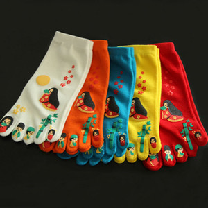 Wholesale Cute Adult socks cartoo cotton sport socks hiking camping travelling finger multi colors for women men