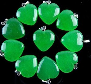 10Pcs Delicate Nice Green Malay Jade Peach Heart Pendant Bead 20mm