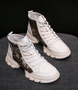 Wholesale 2018 new autumn and winter high top boots women s shoes fashion thick soled British single boots ins Martin boots short tube female