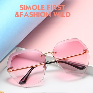 Wholesale 2018 Fashion Sexy Rimless Oversized UV400 Sunglasses for Women Metal Frame Sun Glasses Pink Blue Plastic UV400 Shades Designers Eyewear