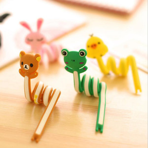 Wholesale Cartoon buttoned Animals Fixed Line Clamp Cable Wire Organizer Clip Tidy Cord Holder Bobbin Winder Kids Eeducational Toy