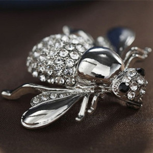 Wholesale New High Quailty Fashion Rhinestone Animal Brooch Jewelry Lovely Alloy Bee Brooches Pins Accessories For Women D0579