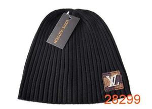 . 2018 winter Fashion men beanie women knitted hat casual sports cap keep warm ski gorro top quality beanies Bonnet classical polo