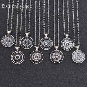 Wholesale fashion lychee Black White Plant Mandala Cabochon Necklace Round Time Gem Pendant Ally Link Long Chains