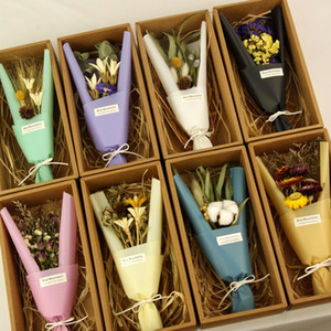 Wholesale Nordic INS minimalist Mini dry flower bouquet gift set Valentine s Day gift father s day dry flower gift box