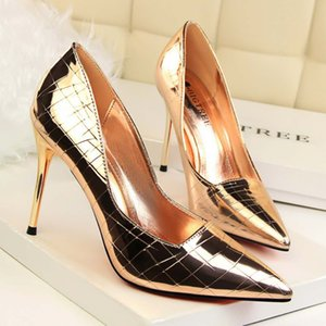 Wholesale Champagne Sexy Women Lady High Heel Shoes Pointed cm Stiletto Heel Sexy Evening Party Prom Shoes Mirro Patent Leather Wedding Shoes