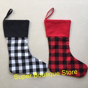 2018 hot selling buffalo plaid Christmas stocking monogram personalize 2 colors good quality X-mas stocking socks kids candy bags