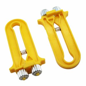 1 Pcs Plastic Bee Wire Cable Tensioner Crimper Frame Hive Bee Tool Nest Box Tight Yarn Wire Beehive Beekeeping Equipment free shipping