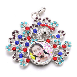 Wholesale rhinestone necklaces pendants for sublimation fashion button Peacock pendant for women hot transfer diy accessories consumable