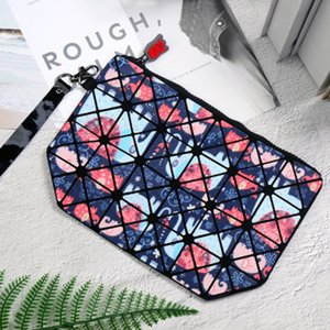 Wholesale Fashion Explosions Geometric Soft Folding Lingge Colorful Trend Waterproof 2018 New Makeup Bag Change Package Stuff Sacks