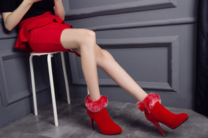 Wholesale Autumn winter rabbit hair short boots Martin boots zippers high heels red wedding dresses bride wedding boots T049