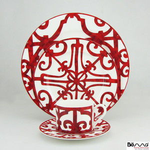 Wholesale Top Grade Red Cups Plates Window With Iron Grating Design Red Ceramic Bone China Dinner Sets For Dinnerware