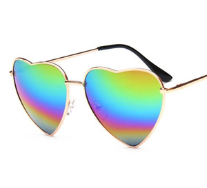 Wholesale Fashion Heart Shaped Sunglasses Brand Designer Women Metal Reflective Lens Fashion Sun Glasses Men and Women Mirror New For Party Gifts