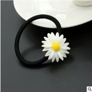 Wholesale 2018 Explosion moSummer Fresh Daisy Flower Hairpin New Hair Accessories Temperament Hair Ring Hair Accessories