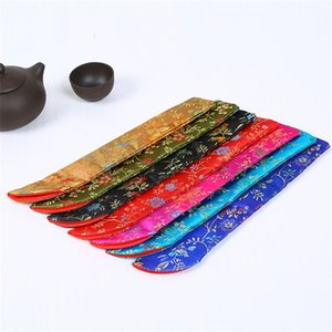 Wholesale Embroidery Hand Fan Pouch Colorful Silk Brocade Floral Folding Fans Cover Bag Exquisite Handmade Packing Bags New Arrival lx XB