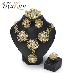 Wholesale MuKun Dubai Bridal Jewelry Set Women Trendy Flower Nigerian wedding Jewelry set African Beads Gold color Indian New