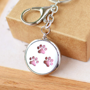 Wholesale Dog Cat Paw KeyChain Essential Oil Aroma Diffuser Perfume Locket with Lobster clasp Keychain keyring With free Pads