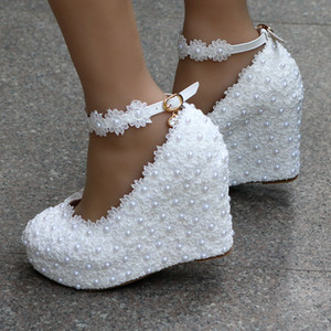 Wholesale Sweet white elegant flowers girl shoes lace wedge pearls wedding shoes bride dress shoes