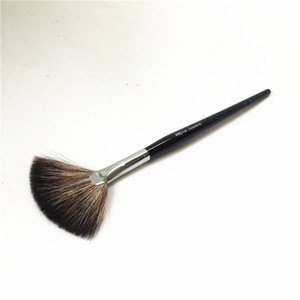 Wholesale Sep PRO Fan Brush Natural Hair Finish Powder Bronzer Illuminator Sweep Brush Beauty Makeup Brushes Blender