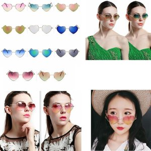 Fashion Heart-shaped Sunglasses for Girl Retro Metal Frame Pink Mirror Sunglasses Women Vintage Sun Glasses Outdoor Eyewear