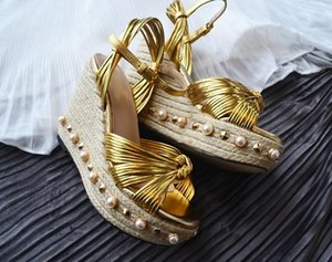 Wholesale gold blue female summer shoes pearls thick heeled sandals beach shoes chaussure femme rivtes zapatos mujer platforma studs wedge sandals