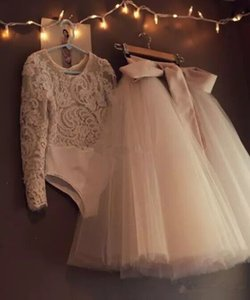 Lovely Two Pieces Bodysuit Girls Dresses Lace Appliques Jewel Bow Kids Tulle Ball Gowns Long Sleeve Flower Girl Dresses for Wedding