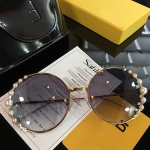 Wholesale Luxury Sunglasses for Women Designer Charming Round Pearl Frame Fashion Classic Sunglasses Top Quality UV Protection Come with Box
