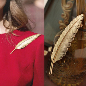 Wholesale- 2016 Men Gold Feather Suit Women Broaches Version Leaves Hijab Pins Wedding Brooch Men Brooches Pins Flower Lapel Pins For Wom