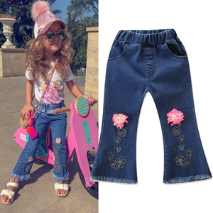 Wholesale Baby Girls Tassel Jeans D Flower Embroider Boot Cut Denim Pants Elastic Waist Pocket Kids Spring Autumn Broken Trousers Boutique Clothes