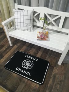 New brand pattern European and American style high quality mat 50 * 75cm floor mat, door mat bathroom mat, bed forefoot cushion, carpet