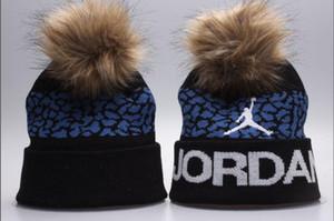 wholesale 2019 mens Designers Fashion Unisex classic Beanie Street Hip Hop Beanies Winter Warm hat Knitted Hats Women Men gorros Bonnet Caps