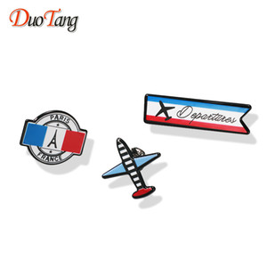 Wholesale DuoTang Aircraft Vintage Enamel Brooches France Paris Eiffel Tower for Women Zinc Alloy Pins Jewelry Accessories Gift Z0107
