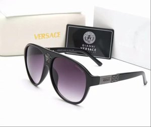 Wholesale 2018 High quality Polarized lens pilot Fashion Sunglasses box For Men and Women Brand designer Vintage Sport Sun glasses With box 8935
