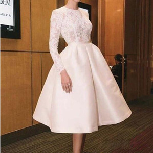 2019 Elegant Homecoming Dresses With Jewel Neck Appliqued Lace Illusion Top Bodice Pleated Knee Length Prom Dresses Free shipping on Sale