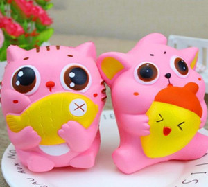 Wholesale Jumbo Cute Squishy Cat Hold Fish Nut Soft Kawai Pussy Kitty Slow Rising Squeeze Bread Cake Sweet Scented Kid Xmas Toys Gift
