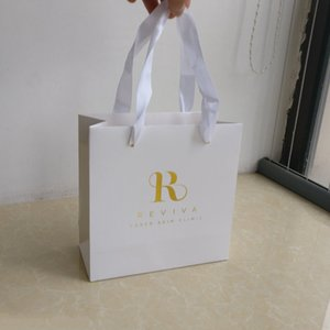 Wholesale x18x8cm Luxury gift clothes white paper shopping bags customized company gold foil logo