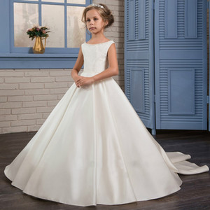 Cap Sleeved Ivory Flower Girl Dresses with Beaded Neckline Simple Sleeveless Satin Girl Pageant Formal Occasion Dresses with Bows